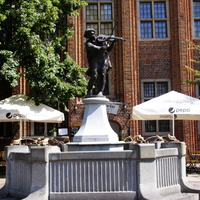 Raftsman Statue